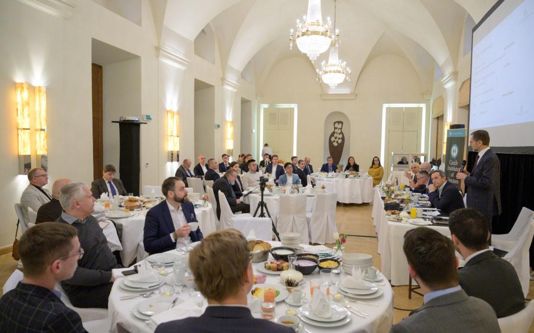 """Save the date: Byznys Breakfast na téma """"Zkušenosti korporací sřízením a corporate governance vdobě krize"""""""